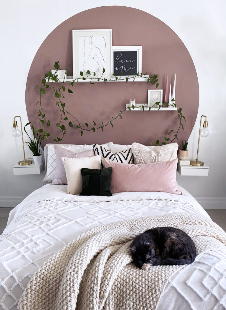 18 Teenage Girl Wall Decor Ideas for Her Bedroom 6 DIY Circle Headboard 9 The Old Summers Home The Old Summers Home is a DIY rustic home decor blog. We have amazing DIY posts showing you how we recreated our old house into our sweet little rustic home.
