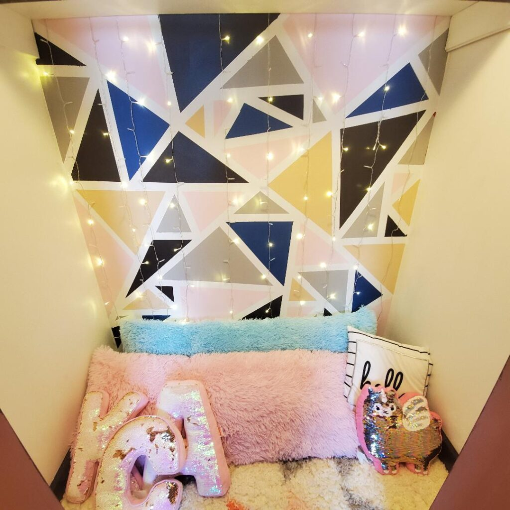 18 Teenage Girl Wall Decor Ideas for Her Bedroom 2 finished wall The Old Summers Home The Old Summers Home is a DIY rustic home decor blog. We have amazing DIY posts showing you how we recreated our old house into our sweet little rustic home.